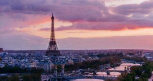 حقيقة اسباب اختراع العطور في فرنسا